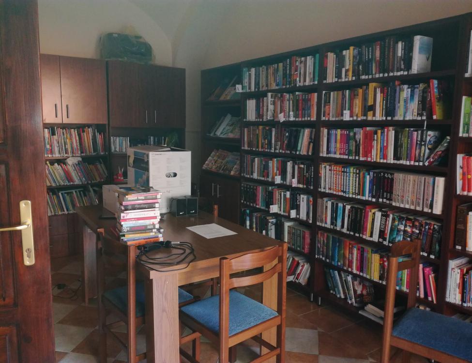 Csertő könyvtár
