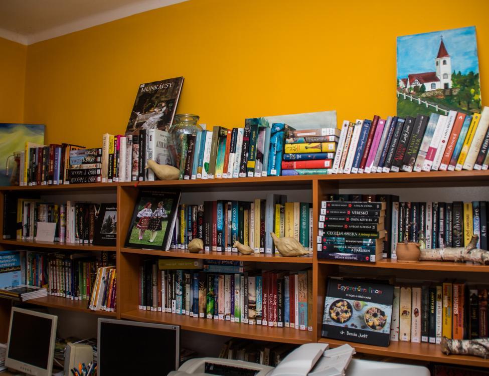 Lothárd könyvtár