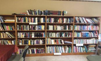 Okorág könyvtár